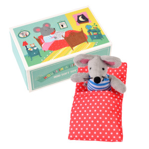 28952-mouse-in-little-house